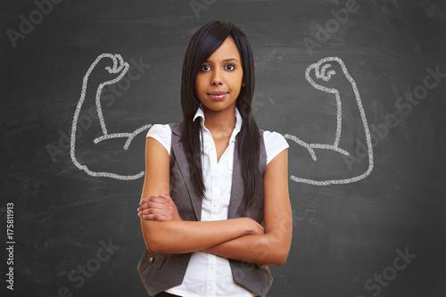 Starke afrikanische Frau mit aufgemalten Muskeln Canvas Print