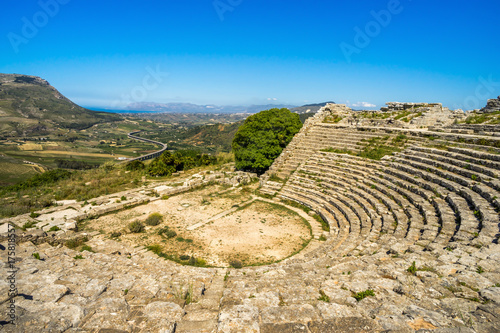 Fotografie, Obraz Panoramic Segesta ancient theatre Sicily Italy
