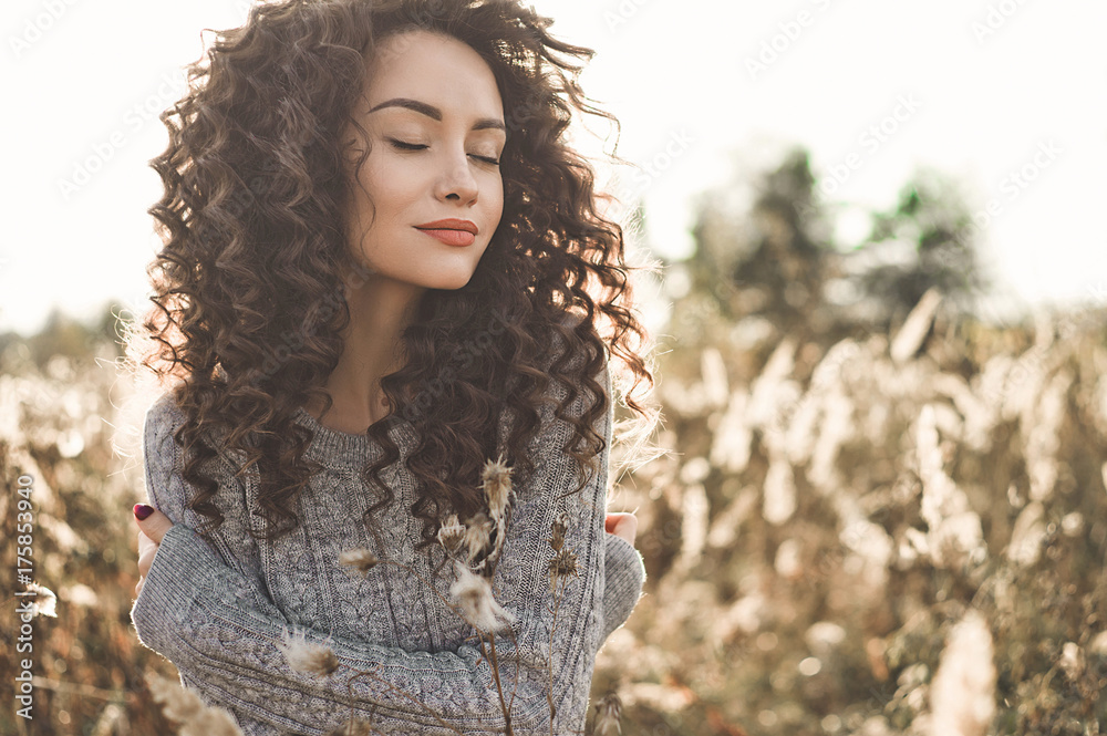 Fototapety, obrazy: Atmospheric portrait of beautiful young lady