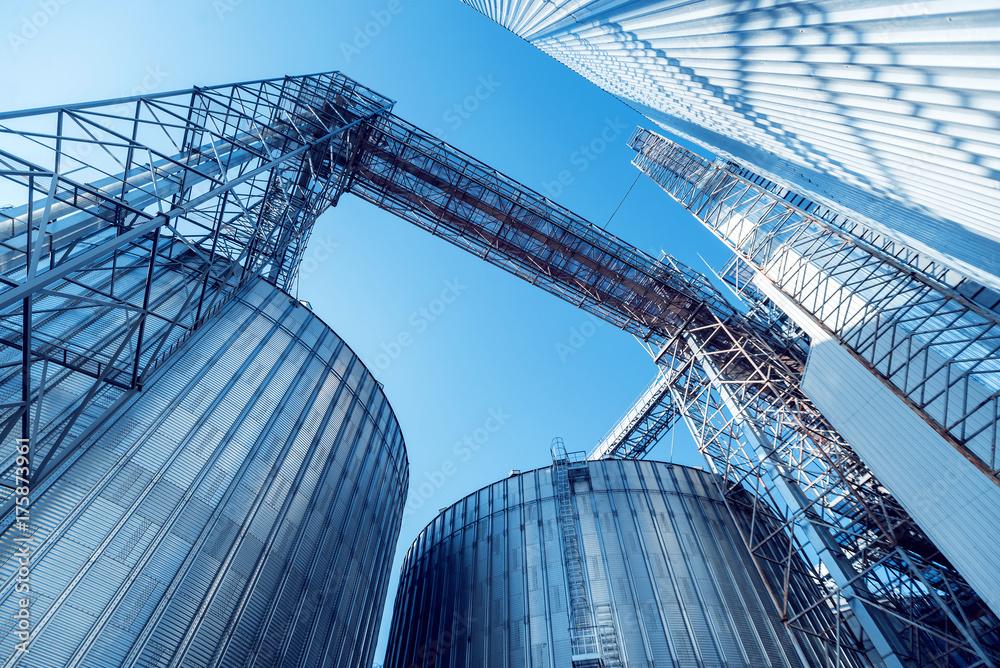 Fototapety, obrazy: Modern silos for storing grain harvest. Agriculture.