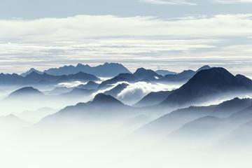 Panel Szklany Popularne Berggipfel am frühen Morgen