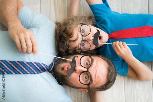 Fotografia Happy family playing in home