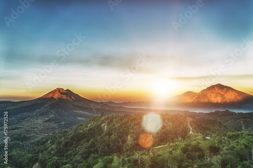 Foto op Aluminium Bali Active volcano Mount Gunung Batur at sunrise in Bali, Indonesia.