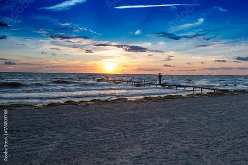 Spoed Foto op Canvas Zee zonsondergang Sonnenuntergang an der Ostsee