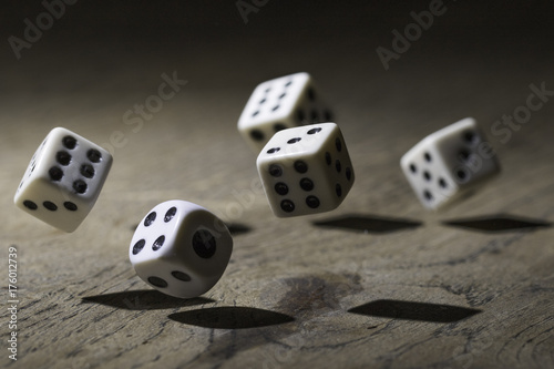 Plakat  Let`s play a game -Dice in mid air! Let the game begin