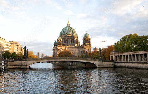 фотография  Berliner Dom (Berlin cathedral) over Spree river at sunset