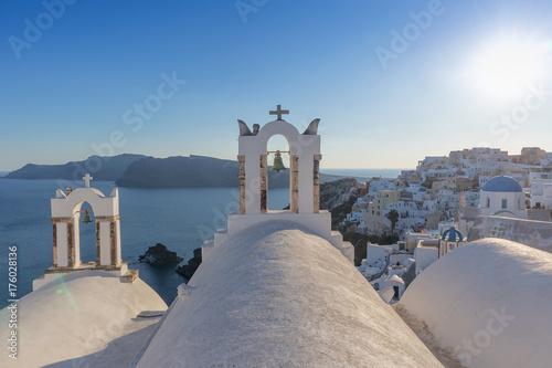 Zdjęcie XXL Kościelny dzwon w Oia, Santorini. Zachód słońca. Grecja.
