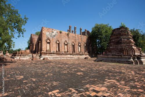 Zdjęcie XXL Wat Kudi Dao, Phra Nakhon Si Ayutthaya Dziejowy park, Tajlandia