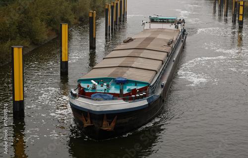 Fotografie, Obraz  Péniche sur le fleuve