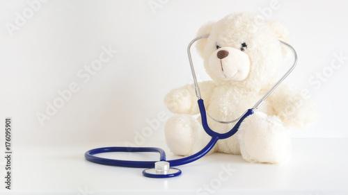 Fotografia  Teddy bear with a stethoscope