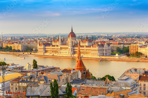 Budapest city skyline at Hungalian Parliament and Danube River, Budapest, Hungar Wallpaper Mural