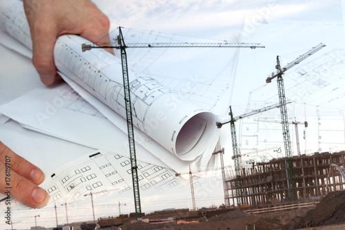 Plakat Architektura i budownictwo mieszkaniowe. Architekt i plany. Inżynieria projektowa i architektura tło