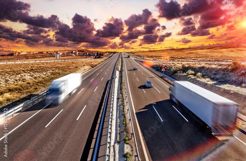 Fotomural Camiones y autovia