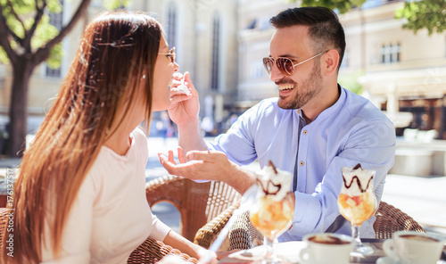 Fotografia  Dating in the cafe
