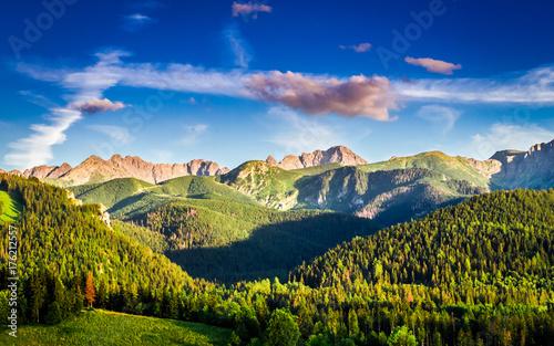 Plakat Oszałamiająco zmierzch w górach w Polska w lecie, Europa