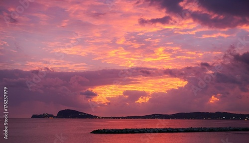 Foto op Aluminium Candy roze Sunset sky in Gaeta