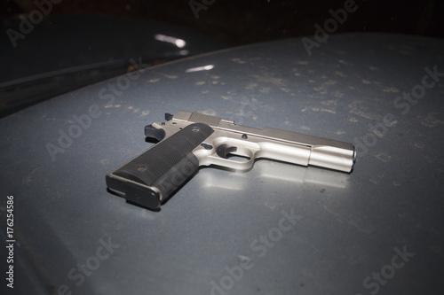 Zdjęcie XXL Pistolet na migawce dachu samochodu