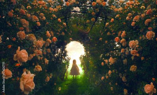 Naklejka premium Dziecko znajduje ogród różany