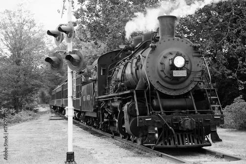 Zdjęcie XXL Pociąg parowy 10 w czerni i bieli