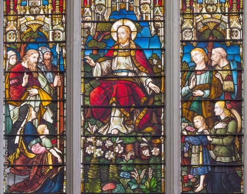 londyn-wielki-brytania-wrzesien-14-2017-nauczanie-jezus-na-witrazu-w-ko