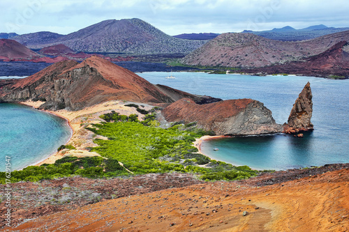 Photo Stands South America Country View of Pinnacle Rock on Bartolome island, Galapagos National Park, Ecuador.