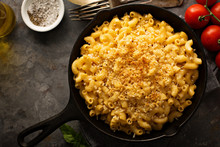 Mac And Cheese In A Cast Iron ...