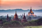 Bagan, Myanmar świątynie w strefie archeologicznej. - 176405308