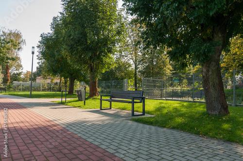 Fototapeta Ławka w parku, Jędrzejów obraz