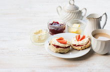 English Scones With Butter, Ja...
