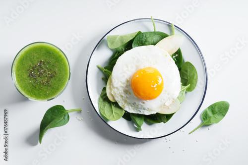 Zdjęcie XXL zdrowa zielona sałatka