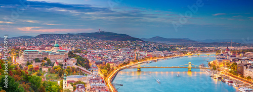 Poster Boedapest Budapest. Panoramic cityscape image of Budapest, capital city of Hungary, during sunset.