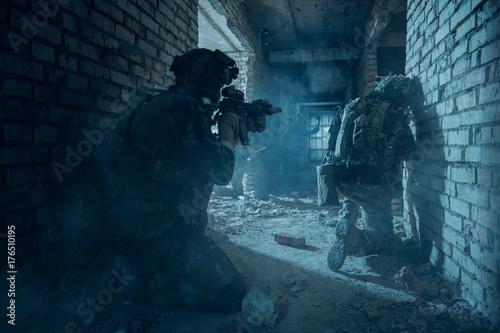 Fotografía  Special Forces soldiers in action