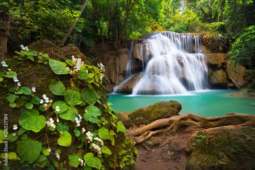Fototapeten Wasserfalle Waterfall in Thailand, called Huay or Huai mae khamin in Kanchanaburi Provience