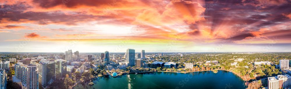 Fototapeta Panoramic aerial view of Lake Eola and surrounding buildings, Orlando - Florida