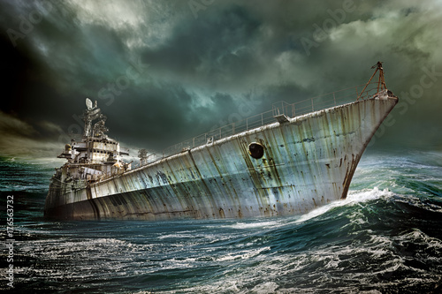 Photo sur Toile Naufrage colbert warship