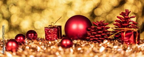 Zdjęcie XXL panorama z christmas dekoracji na złotym tle