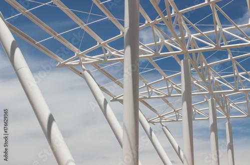 Carta da parati metal structure on blue thread