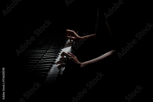 Spoed Fotobehang Muziek Piano player. Pianist hands playing grand piano