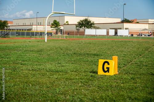 Plakat znacznik linii bramkowej w meczu piłki nożnej młodzieży