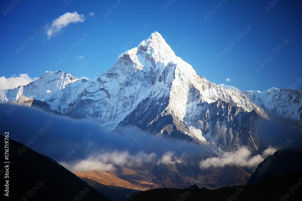 Fototapety, obrazy: Amazing Ama dablam mountain.