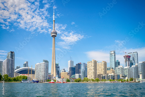Ingelijste posters Toronto Skyline of Toront in Canada from the lake Ontario