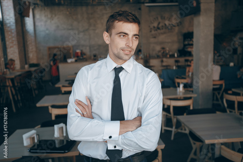 Fototapety, obrazy: businessman in cafe