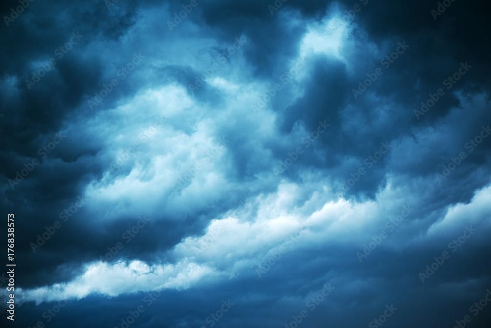 Fototapeta Dramatic stormy sky, dark clouds before rain