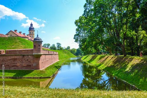 Staande foto Kasteel A moat around the castle in Nesvizh, Belarus