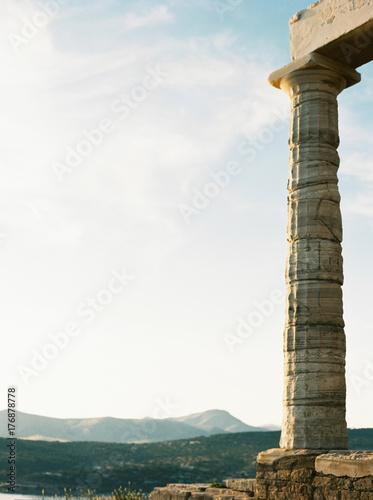 Photo sur Toile Con. Antique Column at Temple of Poseidon in Sounion, Greece.