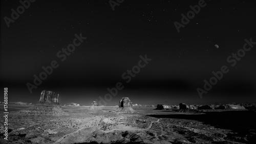 Obraz na płótnie Spektakularny wieczór w Monument Valley