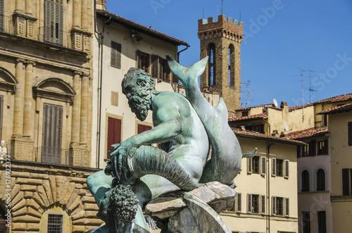 Zdjęcie XXL Fontanna Neptune w letnim dniu w Florencja, Włochy