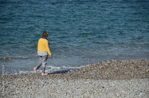 Plakat ludzie relaks wypoczynek kobieta samotność klimat pogoda morze woda ocean zdrowie środowisko