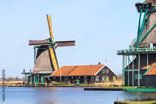 Photo Panoramic view of windmills in Zaanse Schans, traditional village in Holland, la