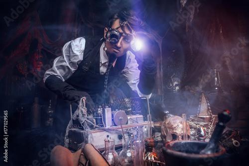 Photo  steampunk inventor man